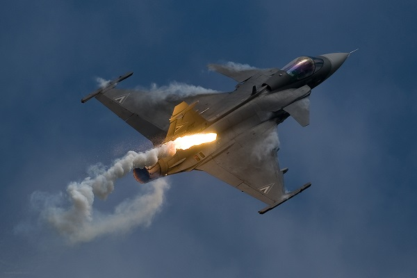 Saab Throw Down on Canadian Fighter Bid